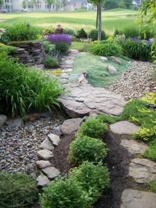 garden-dry-creek-bed-12